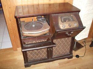 Vintage Admiral Radio et tourne disque