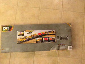 Caterpillar train set $50 or best offer London Ontario image 2