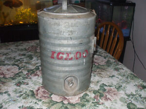 VINTAGE IGLOO WATER COOLER FOR SALE Belleville Belleville Area image 1
