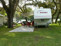 Private 2007 Prowler 25'RK (rear kitchen) In Like New Condition