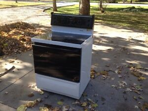 For sale  moffet electric self cleaning stove Windsor Region Ontario image 1