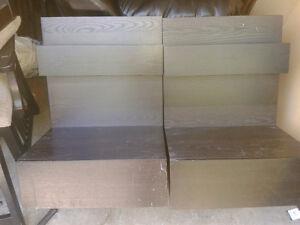 Deux tables de nuit / chevet  Ikea Malm