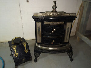 Antique Franklin Wood Stove made by NAFCO. Great condition.
