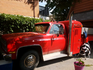 Chevy 3500 custom with Pete bunk