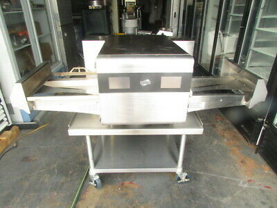 Gently Used High Speed Convection Modern Conveyor Digital Pizza Oven M1718