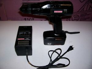 CRAFTSMAN CORDLESS DRILL WITH BATTERY AND CHARGER
