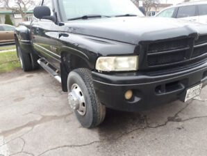 Dodge Ram 3500 safety and etested call 6472698080