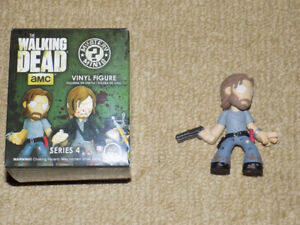 FUNKO, BEARDED RICK HOT TOPIC EXCLUSIVE MYSTERY MINIS 1/24