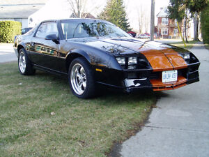 1983 T Top Z28 Camaro Kitchener / Waterloo Kitchener Area image 1