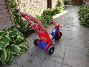 Pair of Toddlers Ride On Trike- One with a parent Handle Kitchener / Waterloo Kitchener Area image 7
