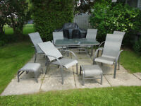Patio Table and Chairs - Excellent condition