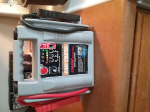 Portable/Rechargeable Jump Starter 300amp for sale