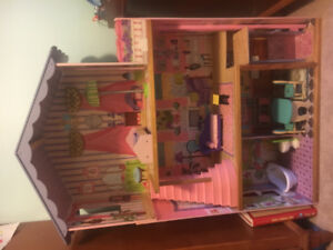 Doll house - Barbie, with furniture