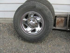 4 wheels & Tires 245/75R16 off 02 Dodge ram