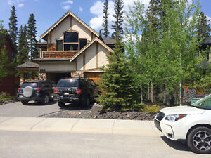 New Gorgeous view  2 bedroom FOR Sept 1st CANMORE