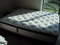 Queen size mattress (10 years protection plan) MOVING SALE!!!