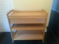 table a langer/ changing table