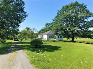 Upper Nine Mile River Bungalow on Acre Lot!