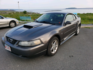 2003 ford mustang v6 automatic. Price reduced!