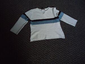 Ladies Size L/G 3/4 Sleeve 3 Tone Knit Lightweight Sweater Kingston Kingston Area image 1