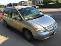 Dodge Grand Caravan 2004 / Going by Sunday to highest offer.