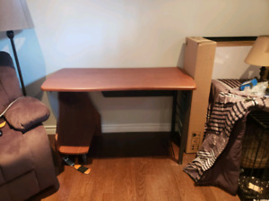 Office desk good condition. Want gone make offer