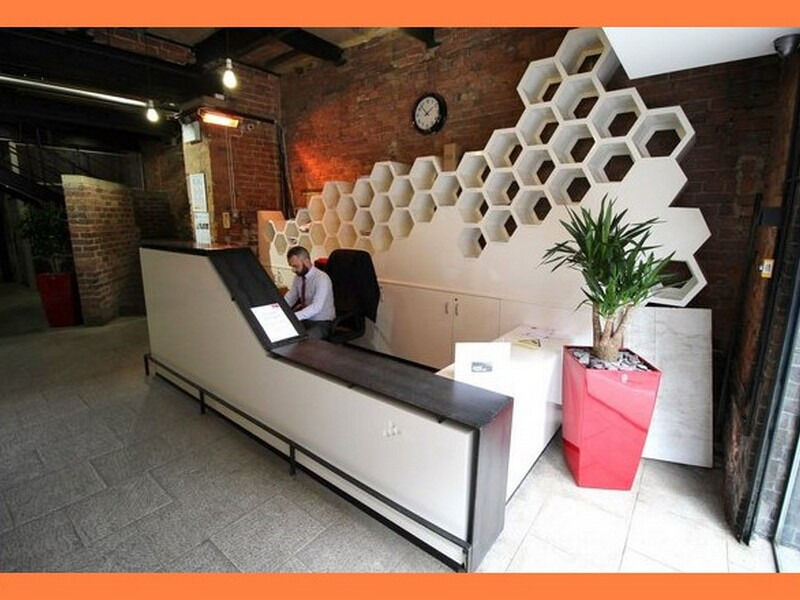 ( M4 - Manchester ) Serviced Offices to Let - £ 320