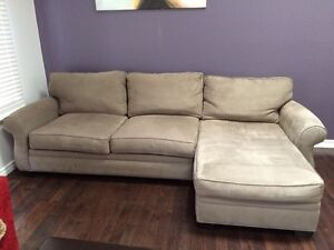 Beautiful couch. In great shape! London Ontario image 4