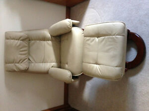 Benchmark recliner