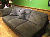 GREY L SHAPED 2 PIECE. COUCH