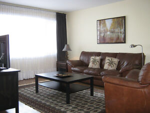 FURNISHED condo apartment - 3 bedrooms - excellent location West Island Greater Montréal image 3
