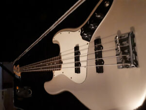 2008 Fender American Jazz Bass - Excellent condition, Used
