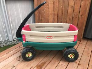 Chariot brouette Little Tikes pour enfant en bon état