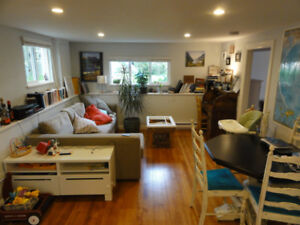 Fully Renovated Legal 2 Bedroom Suite on Bike Path near Fraser