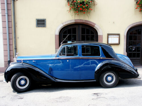 5 Types of Rolls Royce Models for Collectors