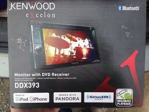 Brand new kennwood excleon touch screen car deck