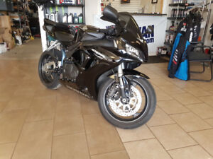 2006 Honda CBR 1000 ONLY 19,000KM / CERTIFICATION INCLUDED