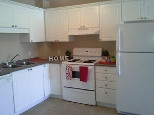 $995 * 2 Bdrm - Laundry In Suite - Top Floor with Balcony