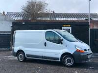 RENAULT TRAFIC 1.9 DCi SL27 PANEL VAN 4 DOOR + 8 SERVICE STAMPS IN BOOKLET +