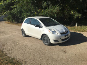2009 Toyota Yaris ce , only 107000 km for $4150 obo new safetied