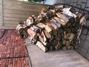 2  cordes de bois (environ)