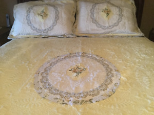 King size Quilt and 2 Shams