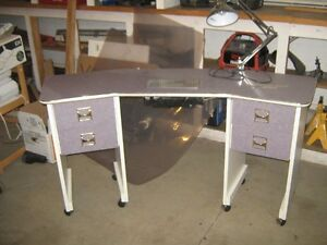 Manicure Table Complete with Light