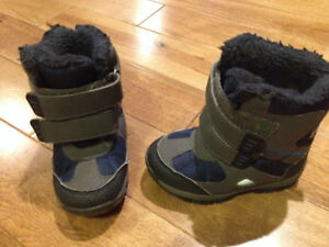 Blue Joe Fresh winter boot - toddler size 6