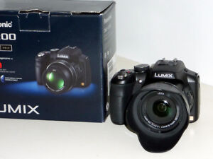 Panasonic Lumix DMC-FZ200 Digital Camera and carry bag.