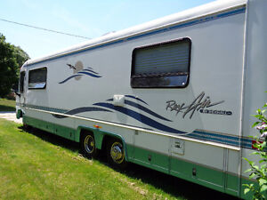 (New price ) Almost new 1997 with off grid solar