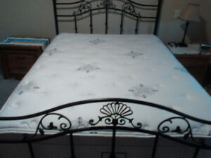 High quality queen mattress and boxspring