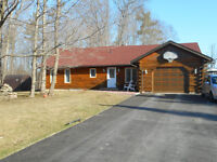 11 Graham Dr, Fenelon Falls- 3+1 bedroom log home