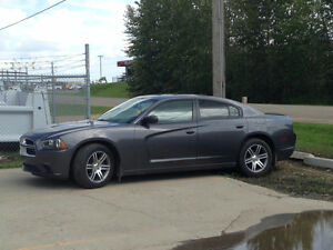 2014 Dodge Charger SXT - REDUCED