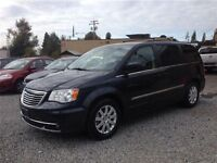 2013 Chrysler Town & Country only $149 bi/w payemnst